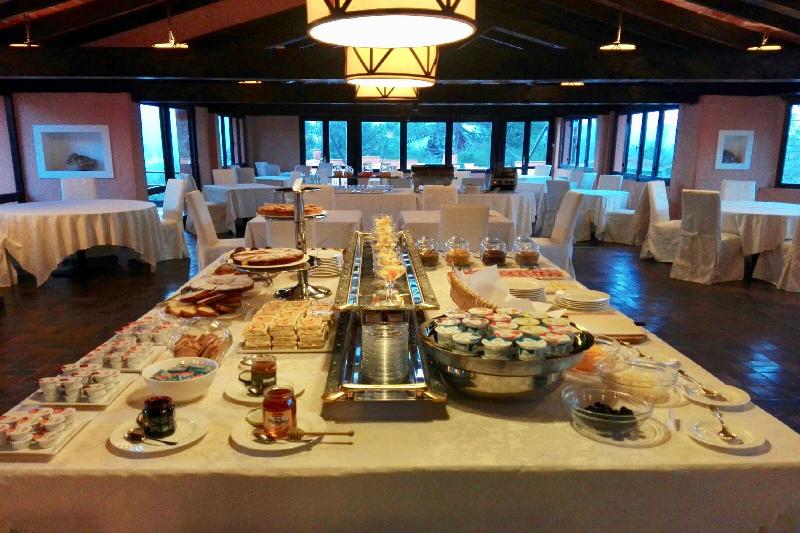 12 buffet colazione