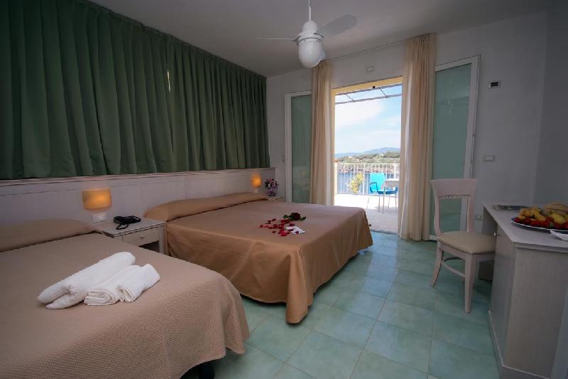 05 camera hotel