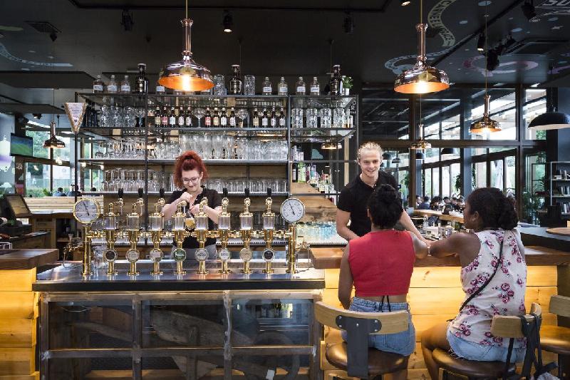 10 ristorante bar